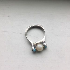 Jewelry - Pretty little ring